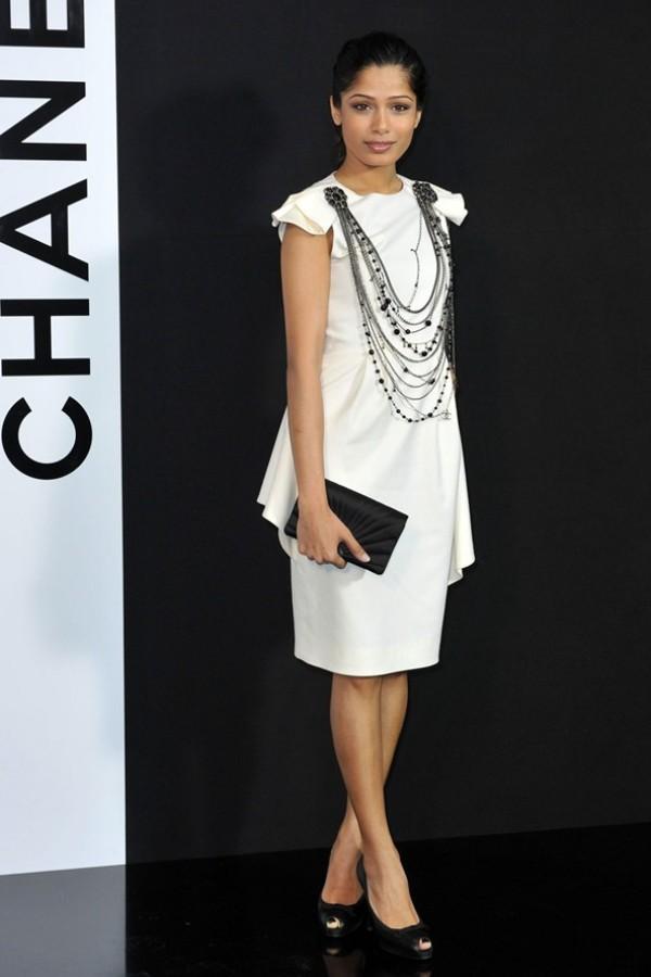 6.4 10 haljina: Freida Pinto