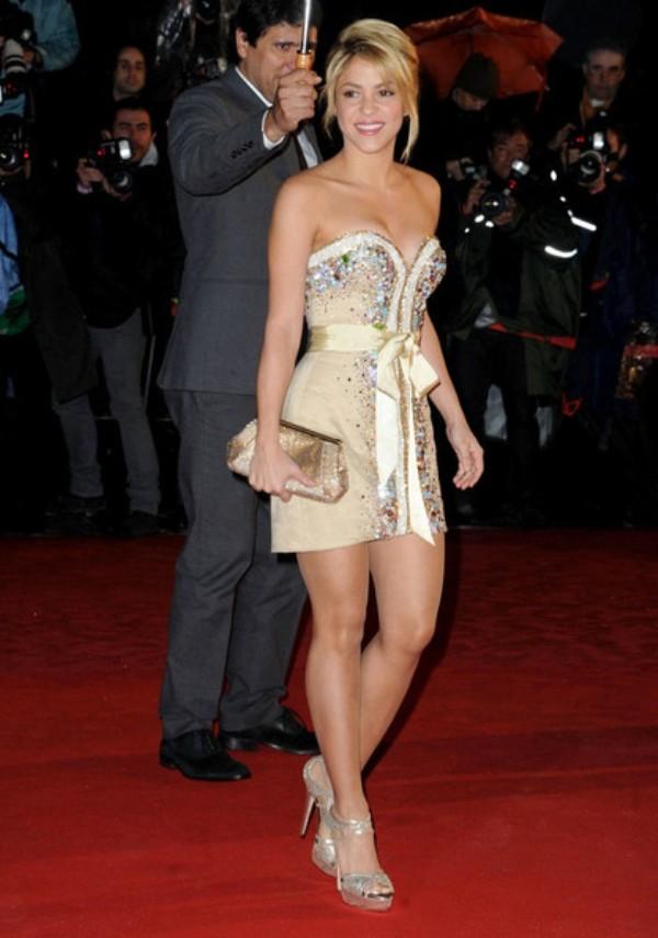 7.14 10 haljina: Shakira
