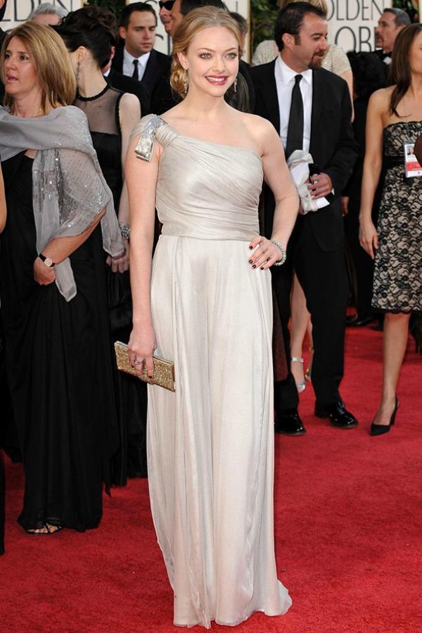 SLIKA 104 Modni dvoboj: Anne Hathaway vs. Amanda Seyfried