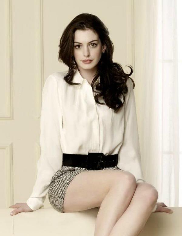 SLIKA 47 Modni dvoboj: Anne Hathaway vs. Amanda Seyfried