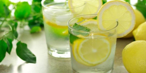 SLIKA28 Voda: Čarobni napitak