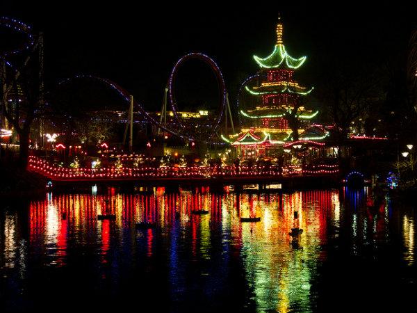 Slika 444 Novogodišnji sjaj najlepših tematskih parkova