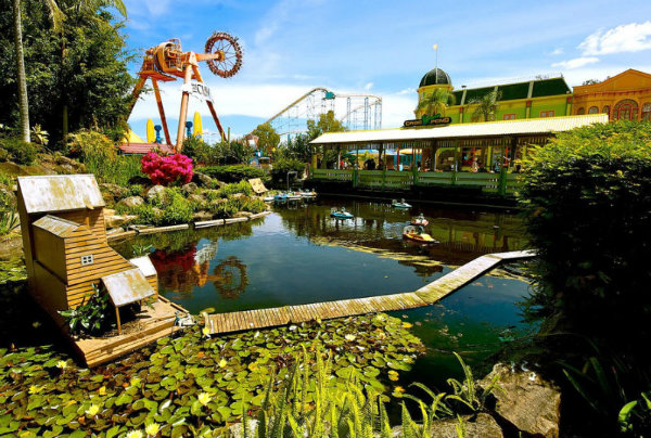 Slika 538 Novogodišnji sjaj najlepših tematskih parkova