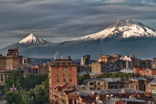 Slika112 Trk na trg: Հանրապետության հրապարակ, Jerevan