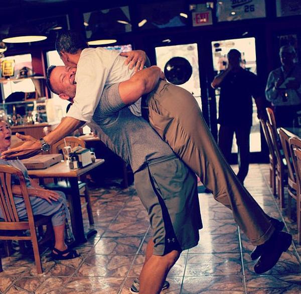 Slika27 Twitter na crvenom tepihu: Ko u ovoj priči nosi pantalone, dragi?