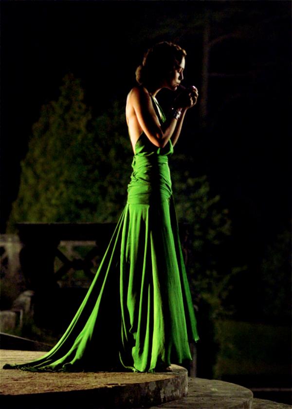 slika 114 The Best Fashion Moments: Zelena elegancija u Pokajanju