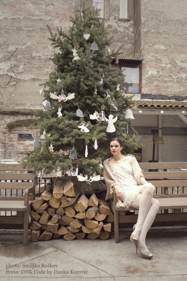 102 Editorijal Christmas carol: DNK Code by Danka Karović