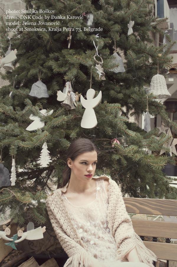 118 Editorijal Christmas carol: DNK Code by Danka Karović