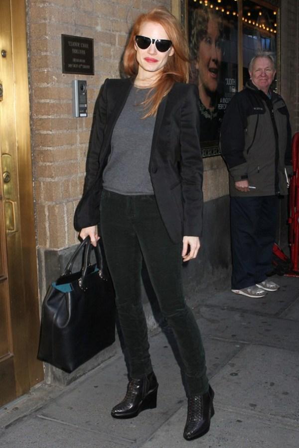 3.21 10 odevnih kombinacija: Jessica Chastain