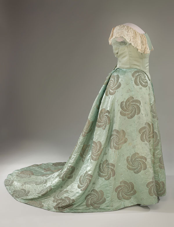 338 Najlepše haljine prvih dama