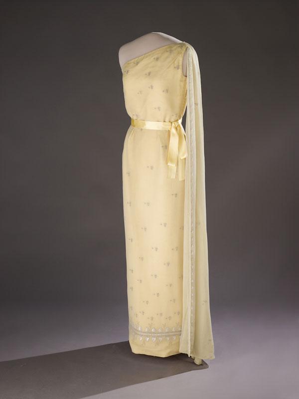 618 Najlepše haljine prvih dama