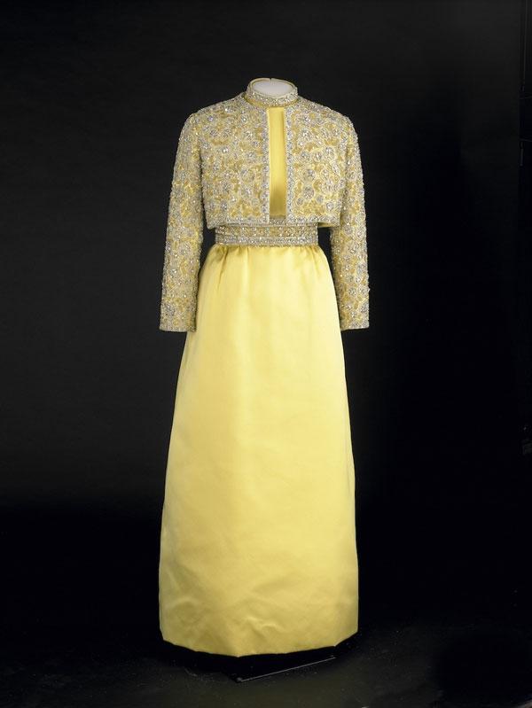 712 Najlepše haljine prvih dama