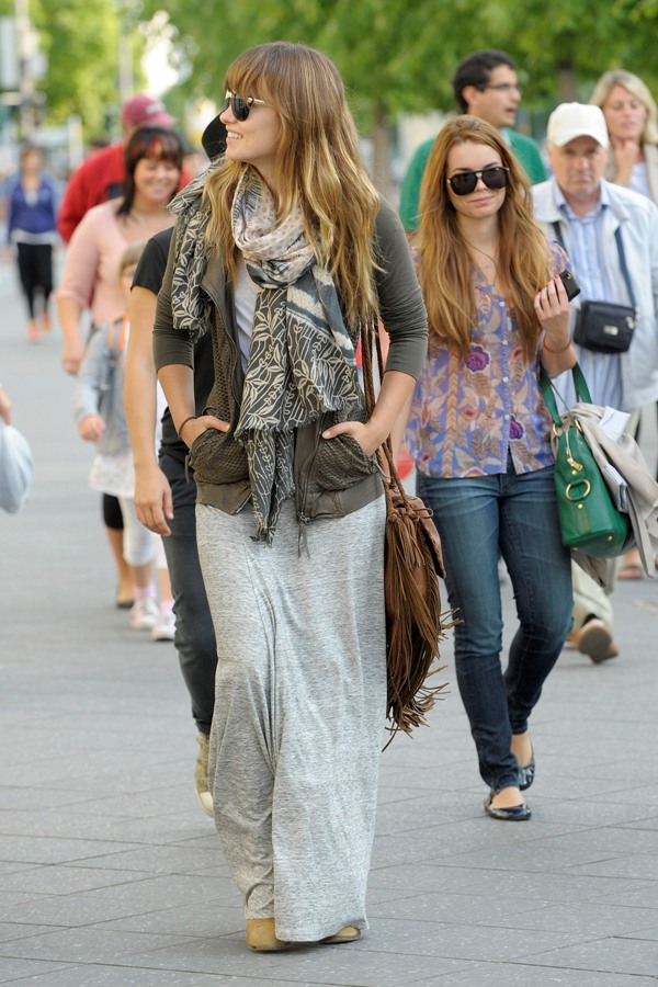 8.12 Street Style: Olivia Wilde