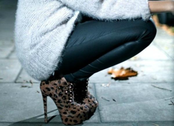 SLIKA 411 Šest načina da nosite cipele sa printom