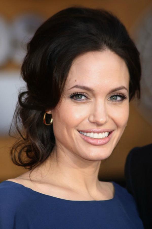 SLIKA 9 Stil šminkanja: Angelina Jolie