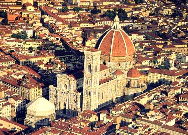 Slika 123 Trk na trg: Piazza del Duomo, Toskana