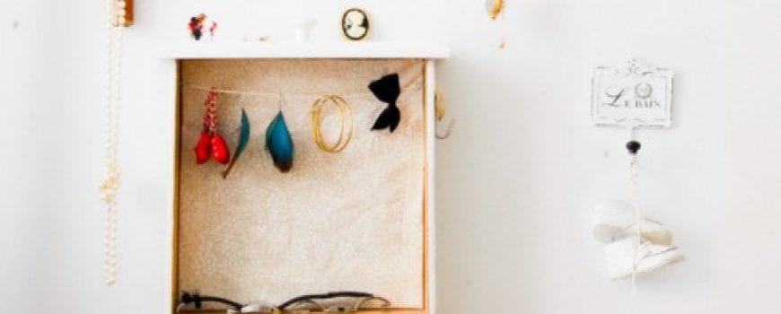 Držači za nakit: Čuvari vašeg blaga