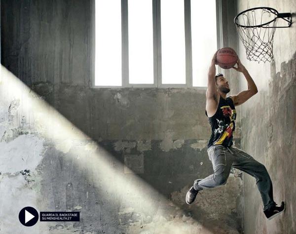 noah mills mens health italia january 2012 05 Men's Health Italia: Seksi košarkaš
