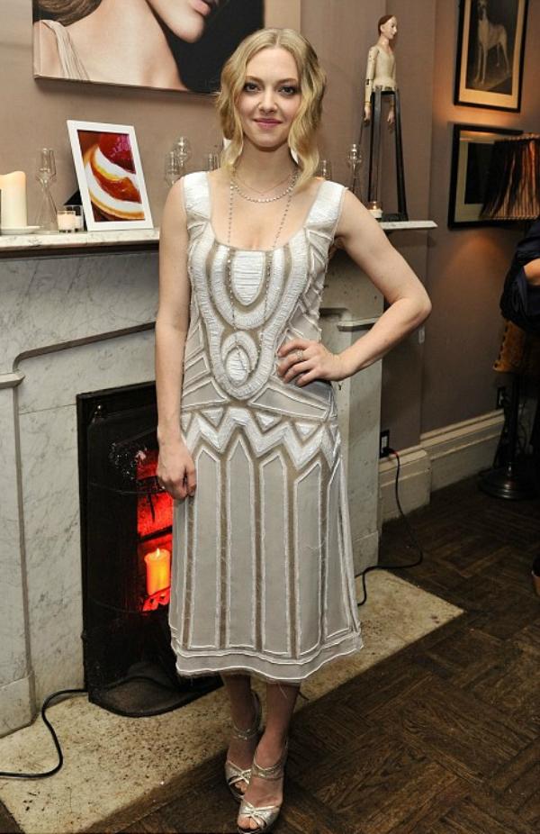 slika 10 10 haljina: Amanda Seyfried