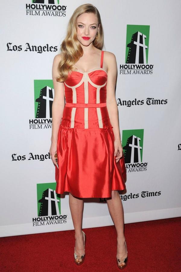 slika 11 10 haljina: Amanda Seyfried
