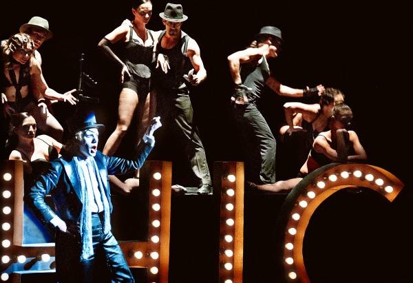 slika 135 Pozorište kao kolektivna tvorevina