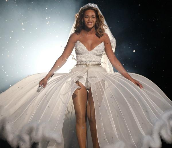 slika 59 10 haljina: Beyoncé