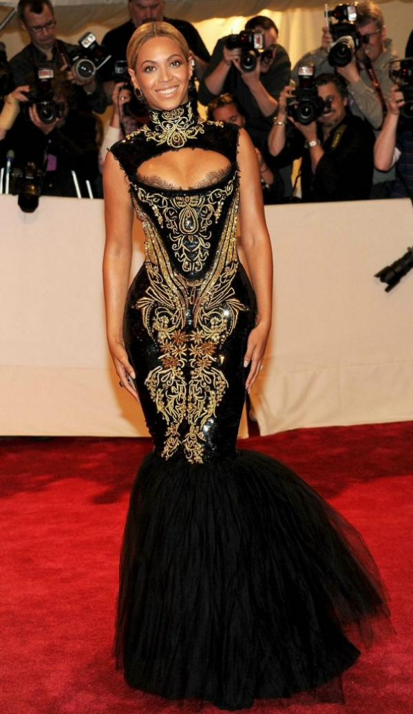 slika 86 10 haljina: Beyoncé