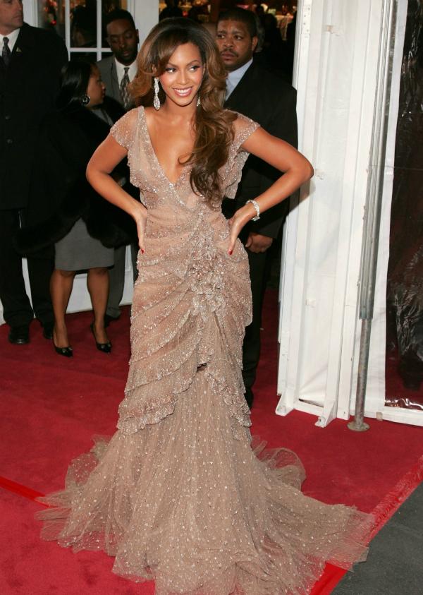 slika 95 10 haljina: Beyoncé
