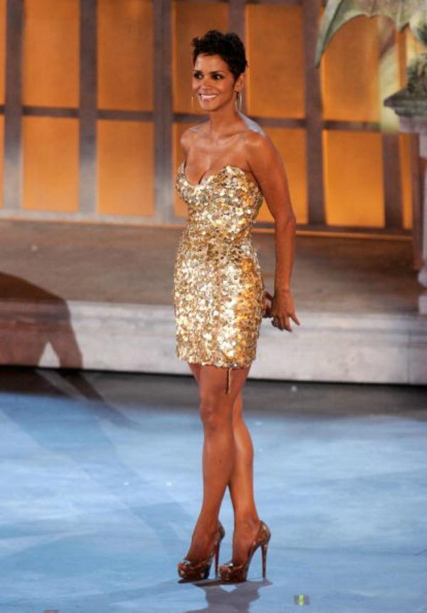 110 10 haljina: Halle Berry