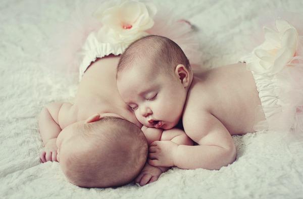 27 Snimi ovo: Zanimljive činjenice o blizancima