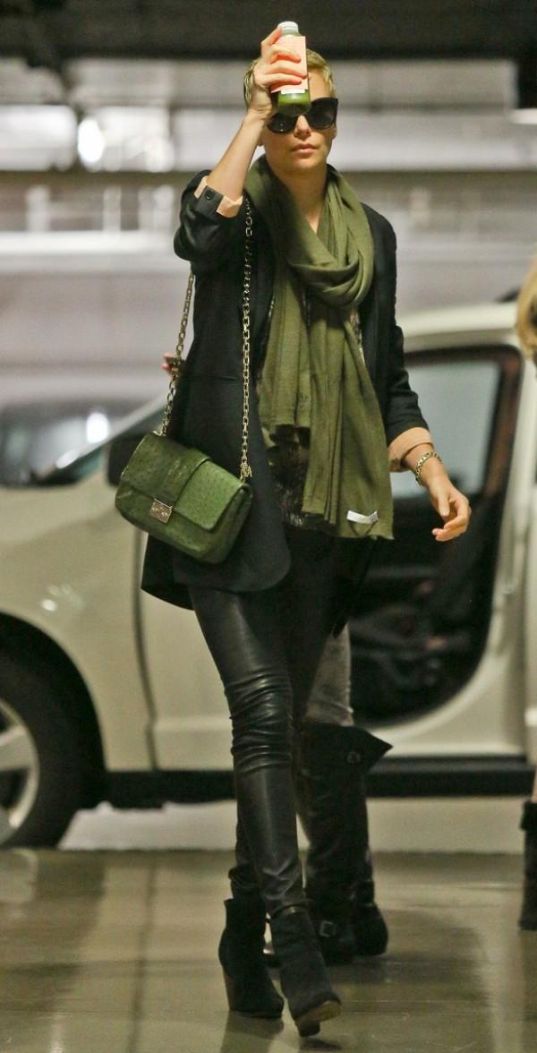 SLIKA120 Celebrity stil dana: Charlize Theron