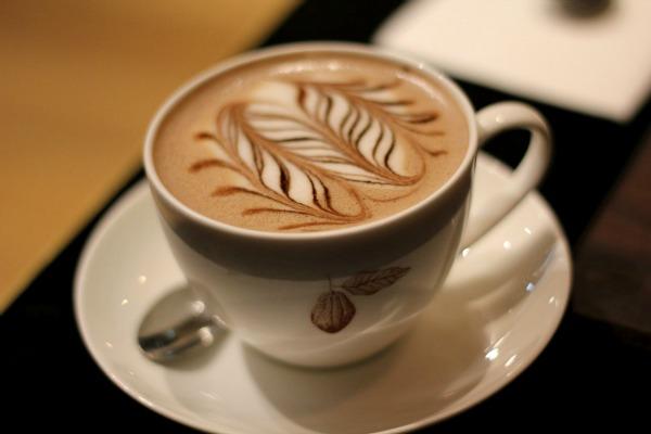 Slika 1... Pet jednostavnih koraka do ukusne tople čokolade