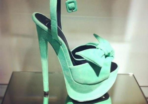Slika 12 Najlepše smaragdnozelene cipele