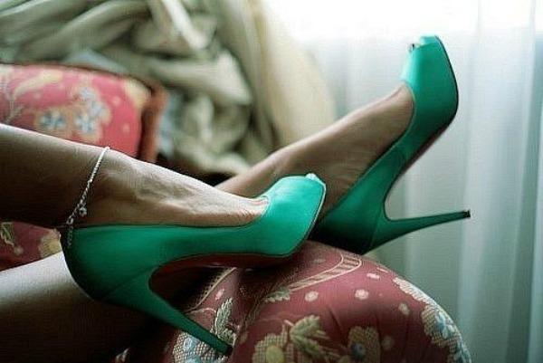 Slika 33 Najlepše smaragdnozelene cipele