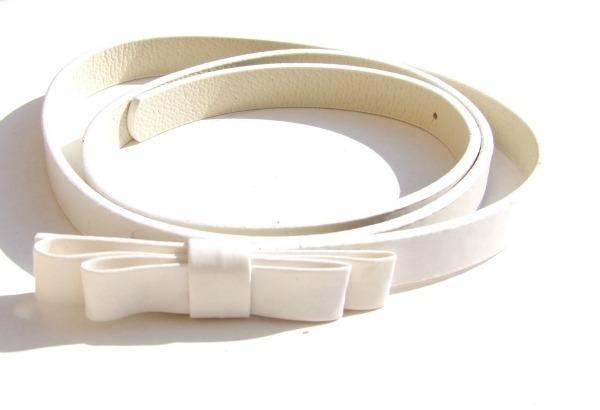 Slika 416 Najlepši aksesoari u beloj boji