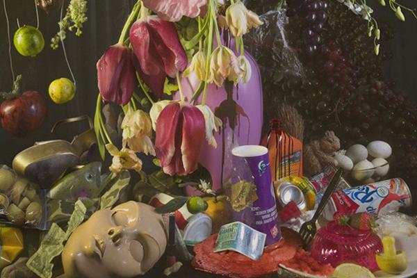 Slika 5 Fotografija sa poslednje londonske izložbe Earth Laughs in Flowers Ovako to rade uspešni ljudi: David La Chapelle, od komercijale do angažovane umetnosti