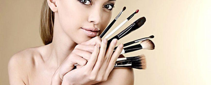 Sedam lakih načina da organizujete šminku