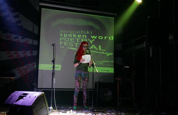 foto1 Vratiti poeziju u kafane!