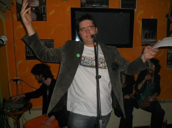 foto51 Vratiti poeziju u kafane!