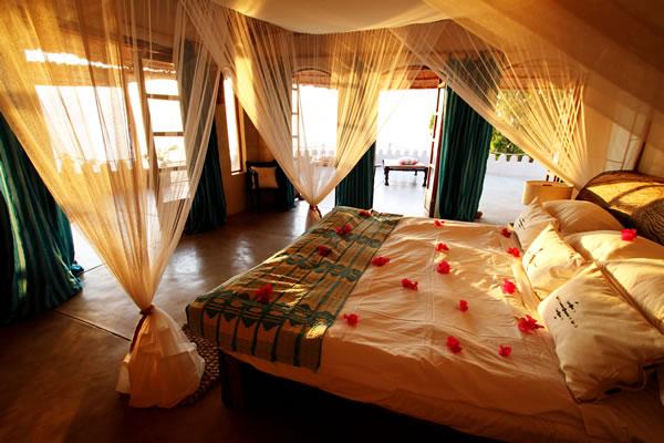 main bedroom accommodation fs Kaya Mawa: Luksuzna egzotika