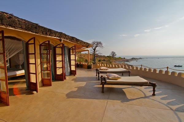 ndomo main bedroom balcony fs Kaya Mawa: Luksuzna egzotika