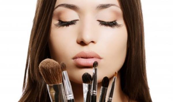 Četkice 11 četkica za šminkanje koje morate imati