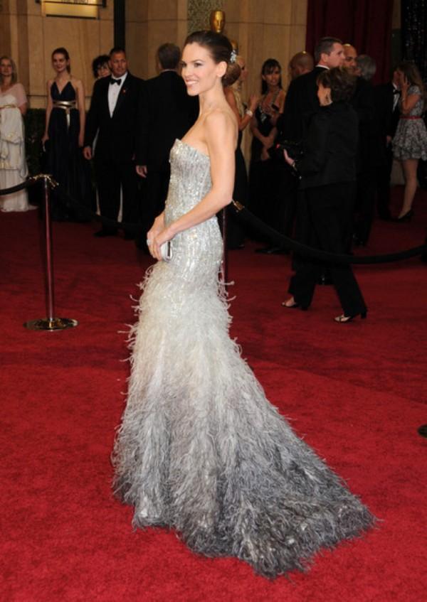 1 5 10 haljina: Hilary Swank