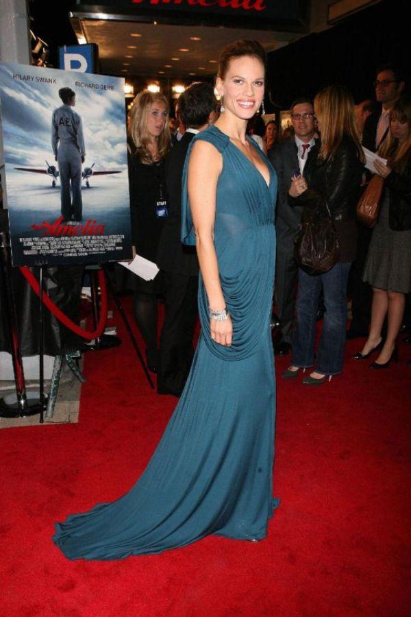 1 7 10 haljina: Hilary Swank