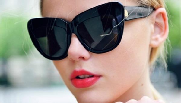 1 Velike crne naočare Trend 2013: Upadljive naočare za sunce