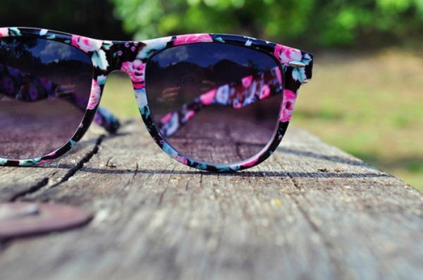 10 Naočare na cvetiće Trend 2013: Upadljive naočare za sunce