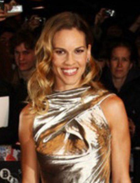 10 haljina: Hilary Swank