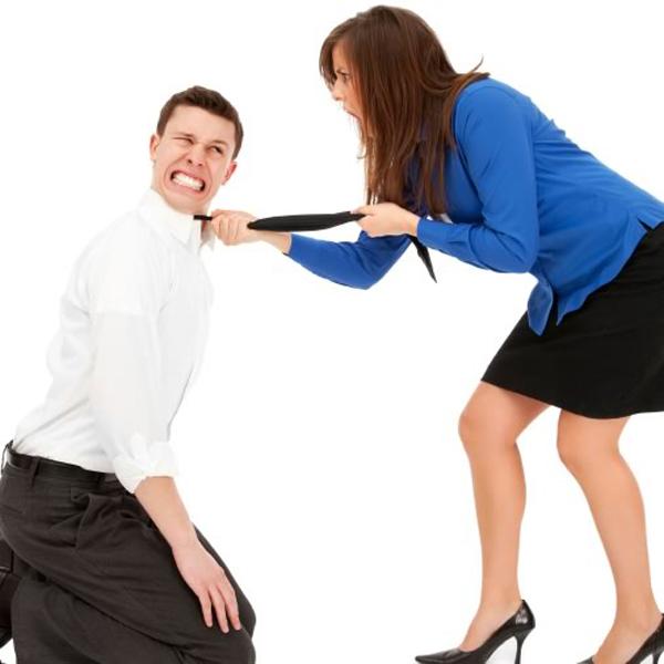 1256065904 top 10 cruel things women do to men 6 Kada da tretirate muškarca kao ženu?