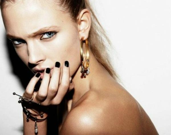 4 Crni nokti Prolećni beauty trendovi: Nokti i lakovi
