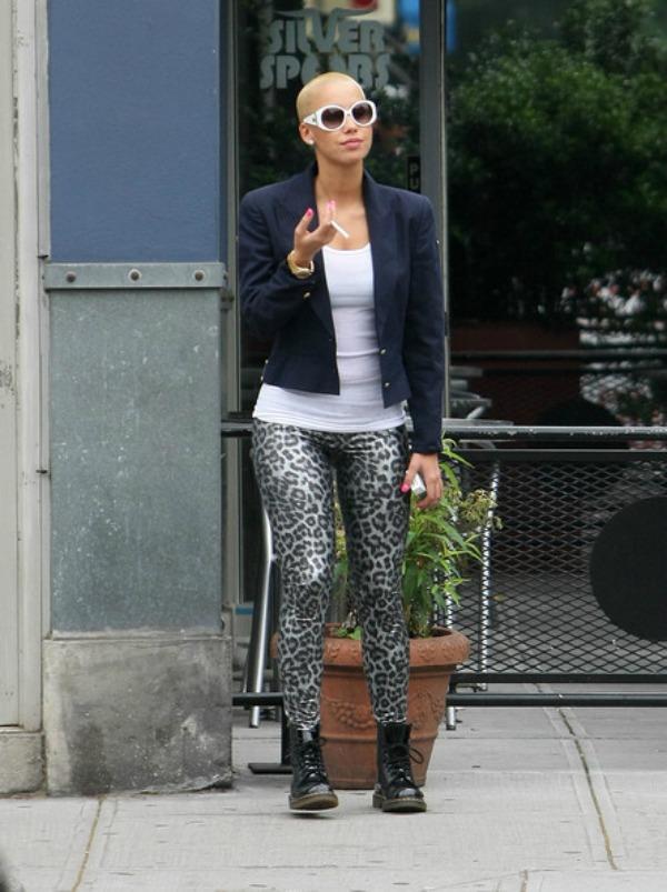 Amber u tigrastim helankama 4 Street Style: Amber Rose